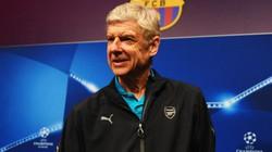 """Wenger dùng """"tấn công tổng lực"""" để trị Barcelona"""