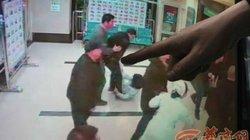 TQ: Tẩm xăng định thiêu y tá để trả thù cho mẹ