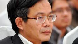 Nhà báo Trần Đăng Tuấn - ứng cử viên ĐBQH làm thơ trên điện thoại