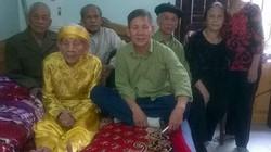 Trưởng lão 107 tuổi sở hữu  đôi bàn chân Giao Chỉ