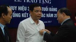 Bộ trưởng Nguyễn Xuân Cường vinh dự nhận Huy hiệu 30 năm tuổi Đảng