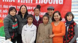 Trao tặng nhà cho 2 bà mẹ đơn thân dịp Tết Nguyên đán