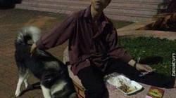 Hot facebook: Chuyện người đàn ông tàn tật và chú chó lạ gây xúc động