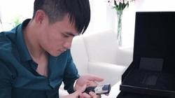 Thủy Tiên tặng Công Vinh điện thoại Vertu giá… 290 triệu?