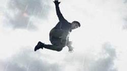 """Phim mới của Victor Vũ tung poster như """"bom tấn"""" siêu anh hùng"""
