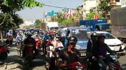 """Trung tâm Sài Gòn đang """"quay cuồng"""" ùn tắc, kẹt xe"""