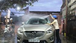 Dịch vụ rửa xe kiếm bộn tiền ngày cận Tết