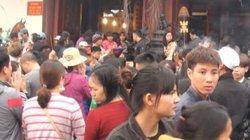 Biển người chen chân vì ách tắc trước ngày khai hội Chùa Hương