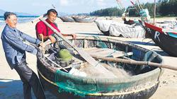 Ngư dân Hà Tĩnh: Quẩn quanh trong lộng...