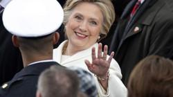 Phản ứng bất ngờ của bà Clinton sau khi Trump thua kiện