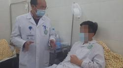 Đàn ông bị sốt, sưng đau tinh hoàn, dấu hiệu của bệnh gì?