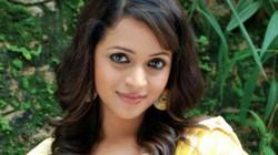 Sốc: Đại diện sao nữ Ấn Độ lên tiếng vụ bị hãm hiếp tập thể