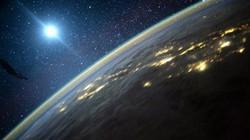 UFO khổng lồ đâm vào Mặt Trời