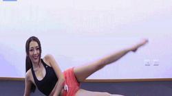 """Gái xinh Hàn Quốc khoe chân """"dài cả mét"""" trong phòng gym"""