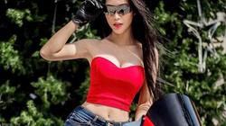 """Cô gái Việt """"nhảy múa"""" trên mô tô khiến dân mạng choáng váng"""