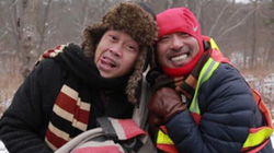 Clip hậu trường hồn nhiên của Hoài Linh với bạn thân 20 năm