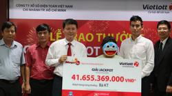 Vietlott trao giải Jackpot 41,6 tỷ cho khách nữ đầu tiên ở Lâm Đồng