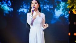 Hồng Mơ: Khởi nghiệp hát lô tô, hội chợ với cát xê 40 ngàn đồng