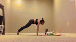 Clip cô bé 6 tháng tuổi khiến người lớn nể phục vì điều này