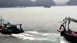 """2 tàu gỗ truy đuổi nhau như  """"phim hành động"""" trên vịnh Hạ Long"""