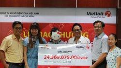 Gia đình bà Thư liên tiếp nhận 2 giải thưởng lớn của Vietlott