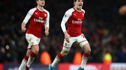 """""""Công làm, thủ phá"""", Arsenal thoát thua trước Chelsea"""