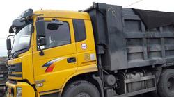 Quảng Ninh: Bất chấp lệnh cấm, xe chở than nghênh ngang trên QL