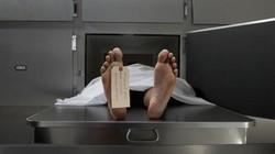 """Chuẩn bị mổ tử thi, bỗng thấy """"xác chết"""" ngáy rồi tỉnh dậy hỏi về vợ"""