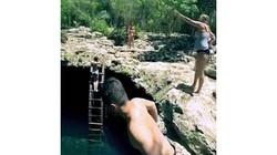 """Có gì bên trong hồ bơi được người Maya coi là """"cổng địa ngục""""?"""