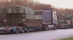Video: Đoàn xe 6 khẩu pháo của Mỹ bất ngờ di chuyển không phép ở Đức