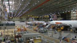 Bên trong nhà máy sản xuất máy bay hiện đại nhất của Boeing