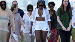 """Bà Obama """"gây sốt"""" khi mặc bikini đi nghỉ đông"""
