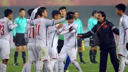 """BLV Quang Huy """"tạt nước lạnh"""" vào U23 Việt Nam"""