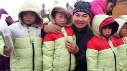 Xuyên rừng Tà Xùa, gánh áo ấm lên cho trẻ ở Làng Sáng