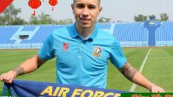 """Những cầu thủ Việt Nam """"thử sức"""" tại bóng đá Thái Lan"""