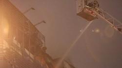 HN: Cháy lớn trên đường Trần Duy Hưng ngày giáp Tết, cả khu phố náo loạn
