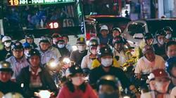 TP.HCM: Kẹt xe từ đường lớn đến ngõ hẻm, nghìn người vật vã tìm lối thoát