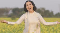 """Diva Mỹ Linh tái hiện Tết xưa trong MV """"Đợi những ngày Xuân"""""""