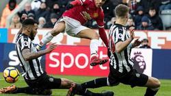 "Clip: Tội đồ Smalling khiến M.U thua ""sốc"" Newcastle"