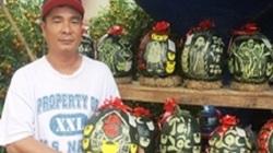 Ngày 29 Tết, dưa hấu khắc chữ nghệ thuật 420.000 đ/quả bán hết veo
