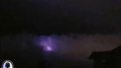Philippines: Bầu trời bất ngờ chuyển màu tím như tận thế