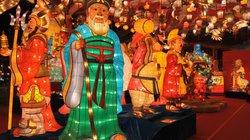 Châu Á lên đèn đỏ rực chào đón giao thừa Tết Nguyên đán