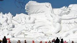 Dân Trung Quốc đổ xô đi chơi Tết ở nơi rét -17 độ