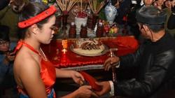 Đỏ mặt với trò nõ nường làm lễ Mật tại lễ hội phồn thực miếu Đụ đị