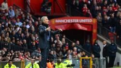 Vì Mourinho, M.U hoãn kế hoạch nâng cấp sân Old Trafford