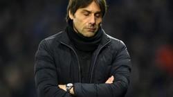 """HLV Conte """"thềm dầu vào lửa"""" trước tin đồn rời Chelsea"""