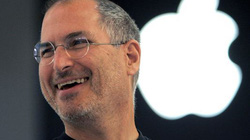 """""""Sốc"""": Đơn xin việc đầu tiên của Steve Jobs được trả giá hơn 1 tỷ đồng"""