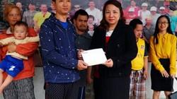 Hải Phòng: Trao 10 triệu đồng cho Hội chữ thập đỏ Thiện Giao