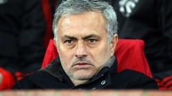HLV Mourinho gửi yêu sách sặc mùi tiền bạc tới nhà Glazer