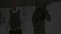 Video: Sếp đứng cách 10m cho nhân viên xả đạn AK vào người